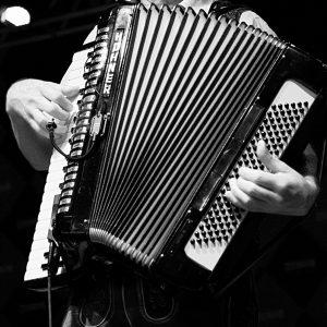 musician-1076547_1920